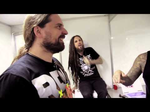 Korn perf. Sepultura – Roots Bloody Roots