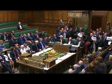 Πρωτοφανής ένταση στο βρετανικό Κοινοβούλιο