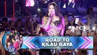 Luar Biasa Nih! Via Vallen Nyanyi di Tengah Kerumunan Fans - Road To Kilau Raya (21/1)