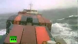 Video Marinos cara a cara con una tormenta en el Océano Atlántico MP3, 3GP, MP4, WEBM, AVI, FLV Mei 2018