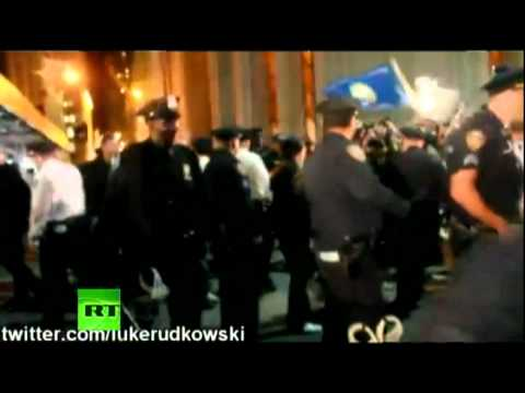 Police brutally attacks Occupy Wall Street protesters -- raw video