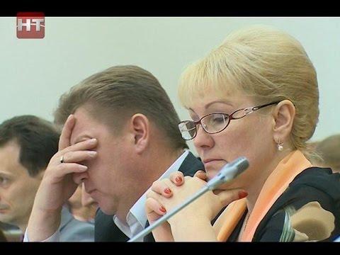 Более 4 часов депутаты гордумы обсуждали судьбу Путевого дворца, центра «Алые паруса» и новой структуры мэрии