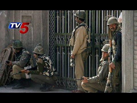 Pulwama   Security Forces Have Holed Up 3 Jaish-e-Mohammad Terrorists : TV5 News