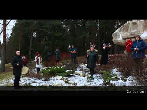 Valkas novada pašvaldības kultūras darbinieki vēl gaišus svētkus!