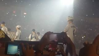 Download Lagu 170226 Exordium in Manila Baekhyun finds his fairy wing Mp3