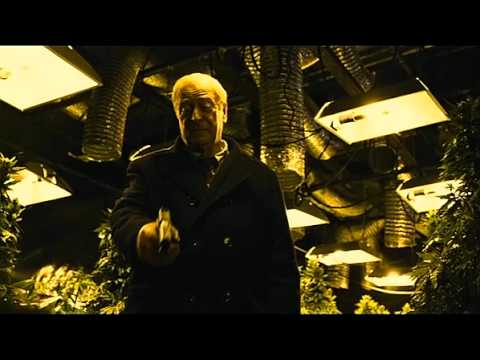 Harry Brown Trailer Español