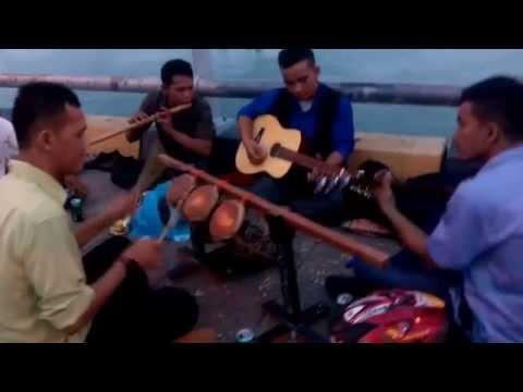 Waw... Parmitu keren Di Jembatan Barelang.. Gondang Batak