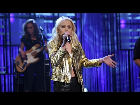 Never Forget You feat. MNEK (Live – The Ellen Show)