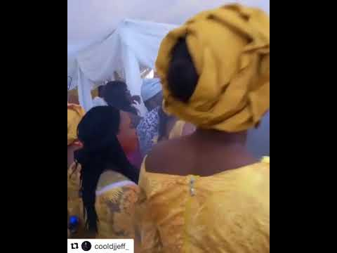 Couple dance to olamide Wo! In wedding reception.