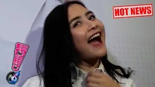 Video Hot News! pakai Kalung Pemberian Maxime, Prilly Blak-blakan - Cumicam 18 Oktober 2017 MP3, 3GP, MP4, WEBM, AVI, FLV Oktober 2017
