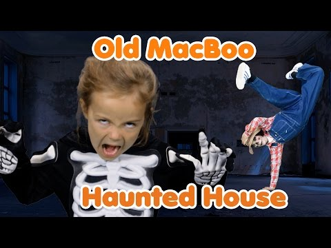 Download Old MacBoo Halloween Song (Old MacDonald Had a Farm) | Halloween Costumes for Kids HD Video