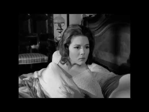 Diana Rigg Topless. Flashes Pierced Nipples.