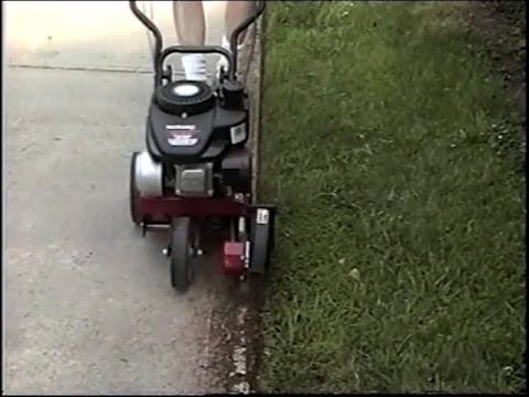Using a Gas Edger walk behind - Yard Machine (видео)