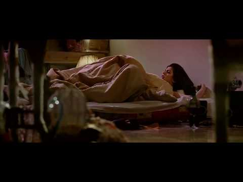 Delhi Belly Movie Hot Scene And Kissing