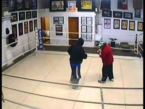 2010.12.21 ABF Gym 7:03pm Mitt work with Jacinto and Coach Gabriel (видео)