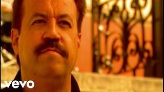 Music video by Los Acosta performing Amores Que Engañan. (C) 2004 Fonovisa Records