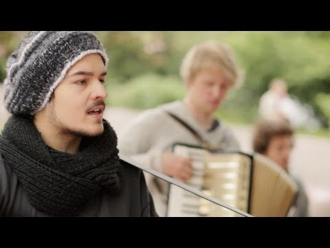 Tekst piosenki Milky Chance - Becoming po polsku