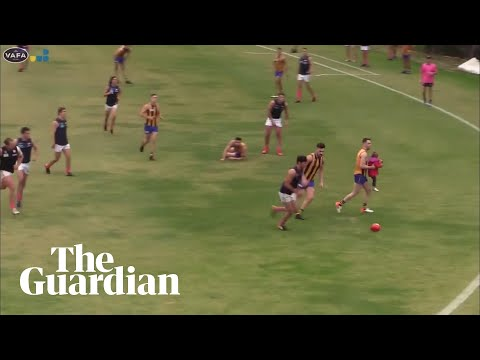 Δίχρονο κοριτσάκι διέκοψε αγώνα ράγκμπι