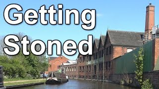 Continuing my journey up the Trent & Mersey canal, this time I go through Stone in Stafforshire and its assorted locks before arriving at Barlaston for the night ahead of the trip through Stoke on Trent the next day.Got a question? Read this!http://www.CruisingTheCut.co.uk/f-a-q/Fancy a Cruising The Cut mug or t-shirt? Click here:https://www.redbubble.com/people/cruisingthecutTwitter:  http://www.twitter.com/CruisingTheCutInstagram: http://www.instagram.com/CruisingTheCutFacebook: http://www.facebook.com/CruisingTheCutWeb: http://www.CruisingTheCut.co.ukPatreon: https://www.patreon.com/CruisingTheCutBuying anything via this Amazon link gets me a commission to help me keep the videos coming. Thank you!http://tinyurl.com/canalboatsCamera gear I use (also Amazon affiliate links):Sony AX53 camcorder: http://amzn.to/2brVbO1Rode VideoMicro microphone: http://amzn.to/2brUG6RRode wireless mic: http://amzn.to/2dv6UdxRode NT-USB microphone: http://amzn.to/2bUKSk1Lexar 64GB SDXC card: http://amzn.to/2bUL1Ui