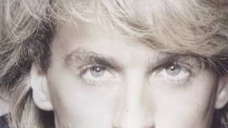 Reeds - Keep on loving you -1985