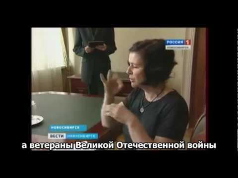 devushki-s-naturalnimi-stoyachimi-siskami
