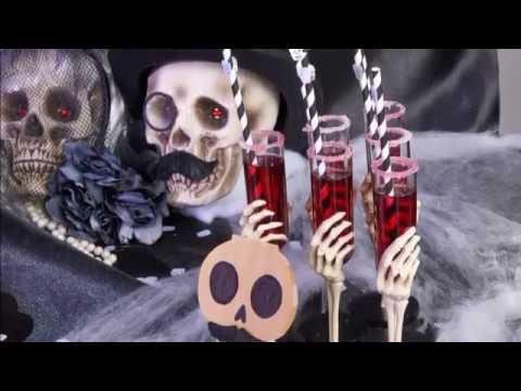 """Halloween-Cocktail """"Bora Bora"""" – Stoßen Sie mit Skeletten an!"""