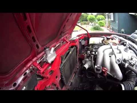1986 BMW 325 E30 2.7 Liter How to Fix and Replace The Water Pump And Timing Belt E 30