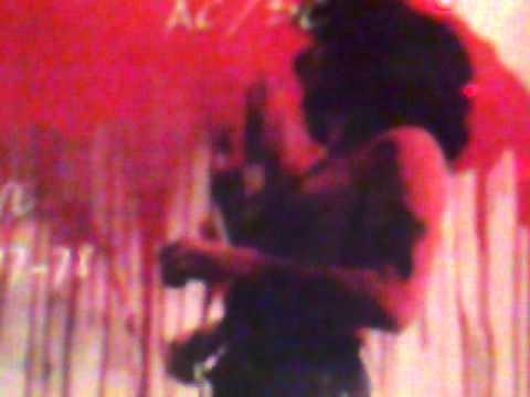 Gun - run with the devil.mp4 online metal music video by GUN
