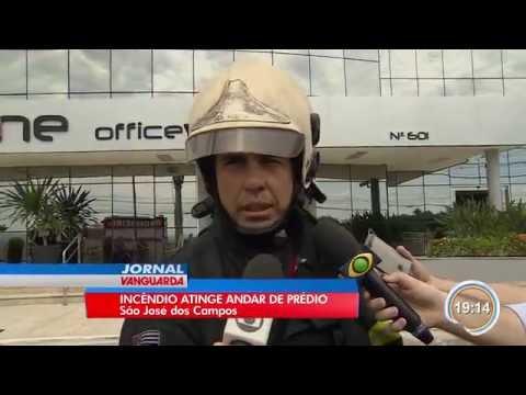 Predio comercial pega fogo em Sao Jose dos Campos - Jornal Vanguarda - 17/10/2016