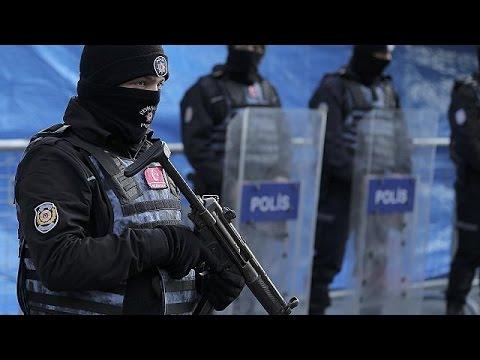 Θρήνος και οργή για τους 39 νεκρούς της επίθεσης στην Κωνσταντινούπολη