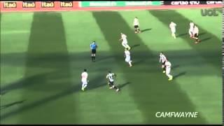 HUMILHOU: Inspirado, Ganso, do São Paulo, dá chapéu no clássico com o Santos.São Paulo 2 x 1 Santos - Série A Brasileiro 2014.