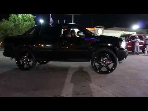Murdered Out Chevy Avalanche on 32