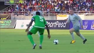 A segunda passagem de Wayne Rooney pelo Everton começou com o pé direito. Mais precisamente com um golaço vindo do pé direito. O atacante voltou a vestir a camisa do clube do coração nesta quinta-feira e abriu o caminho para a vitória por 2 a 1 para cima do Gor Mahia, do Quênia, em amistoso de pré-temporada.