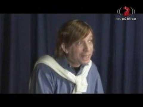 0 Peter Capusotto   El que canta a la chica mientras baila