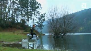 Khoa hoc - Run on water-Walk on water-(Liquid Mountaineering)-Chay tren mat nuoc-amazing run 2010