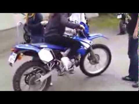 [Clip] Khi con gái đi mô tô phân khối lớn