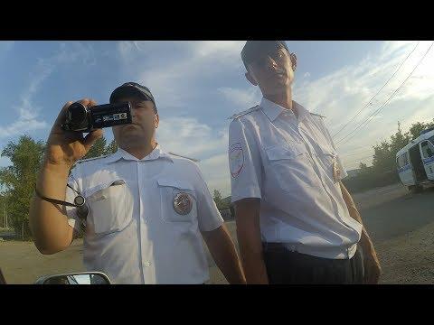 Гаишники вспотели от такого водителя - DomaVideo.Ru