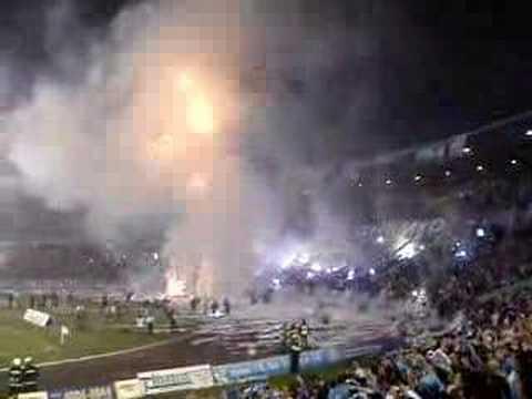 Geral do Grêmio quando time entra em campo - Geral do Grêmio - Grêmio