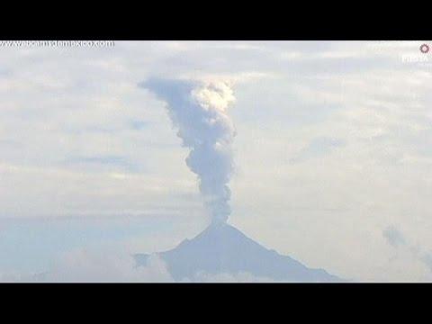 Μεξικό: Το ηφαίστειο Κολίμα εξακολουθεί «βρυχάται»