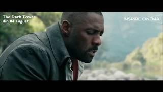 """O nouă dimensiune a imaginației ni se deschide odată cu lansarea aventurii SF """"The Dark Tower"""" – prima ecranizare a operei omonime semnate de celebrul scriitor Stephen King. Captiv într-un peisaj deșertic dintr-un dezolant univers paralel, ultimul pistolar, Roland Deschain (Idris Elba), duce o nesfârșită luptă cu Walter O'Dim alias """"Omul în negru"""" (Matthew McConaughey). Acesta urmărește să distrugă Turnul întunecat, elementul-cheie care menține Universul laolaltă, iar singurul care-l poate împiedica este Roland. Binele și răul se înfruntă pentru ultima dată, într-o confruntare de al cărei deznodământ depinde soarta întregii lumi."""