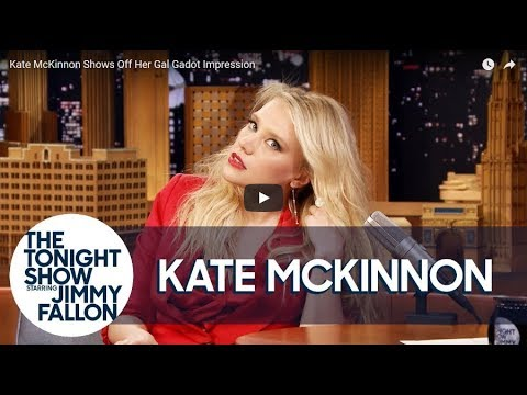 See Kate McKinnon Talk 'Cinematic' Moment Reading Hillary Clinton's Book | Daily Fashion
