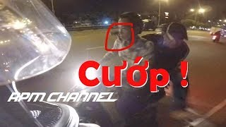 Video Two guys try to robber a Exciter MX 150 on Dien Bien Phu Street | RPM Channel MP3, 3GP, MP4, WEBM, AVI, FLV September 2019
