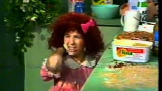 Video Little Girl Making a CAKE Comedy Company MP3, 3GP, MP4, WEBM, AVI, FLV Mei 2018