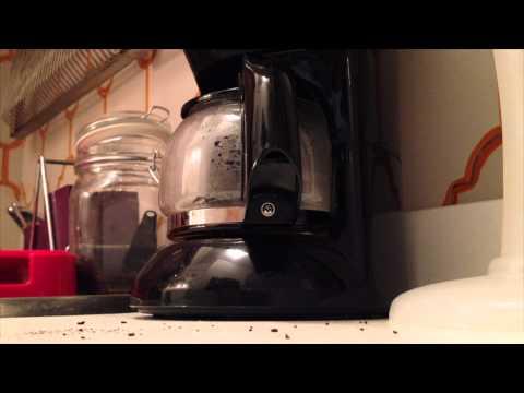 IN CUCINA CON MAX, Episodio 3. Come preparare un perfetto CAFFE' AMERICANO.