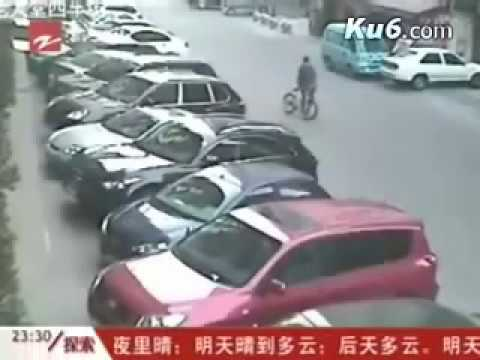 maling motor dilempar sepeda di china