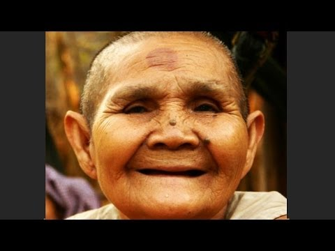 Video SUPER OLD lady made YOUNG and BEAUTIFUL again! download in MP3, 3GP, MP4, WEBM, AVI, FLV January 2017