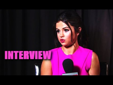 selena - Selena Gomez talks being in the spotlight and why being famous doesn't make her happy in this E-Talk Exclusive. Subscribe! http://bit.ly/10cQZ5j Starring Selena Gomez http://hollywoodlife.com...