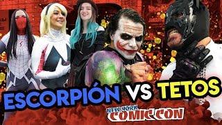 Escorpión Dorado suelto en Comic Con Nueva York 2018, nadie se resiste al peluche