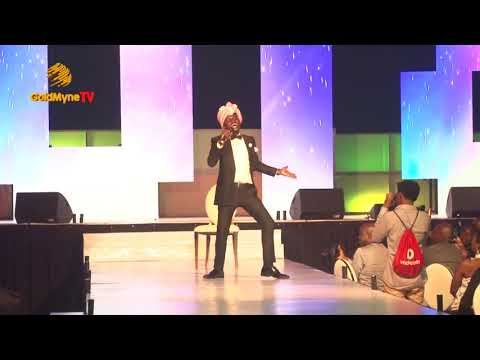Comedian, Kenny Blaq Performs Indian Version Of #Olamide's #WO! #alibabajanuary1stconcert2018
