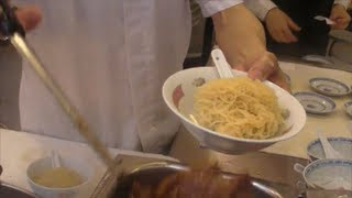 Video Hong Kong Food. Action in the Kitchen. Preparation of Noodles and Dumplings. Chinese Restaurant MP3, 3GP, MP4, WEBM, AVI, FLV April 2019